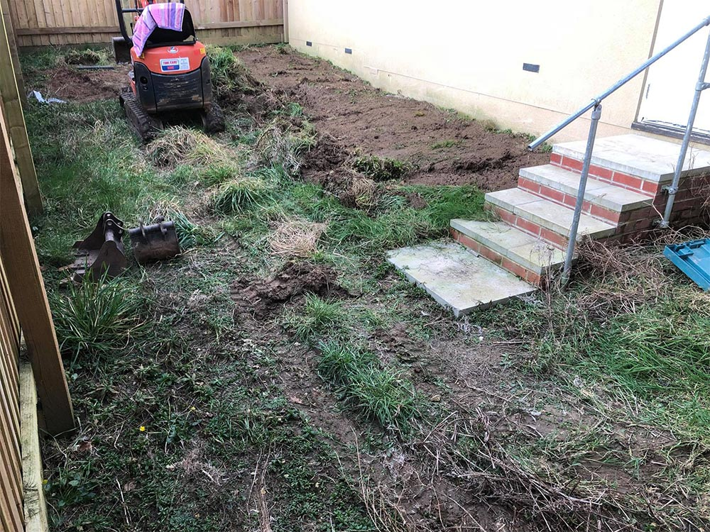Axminster back garden before being landscaped by Alpyne Grass