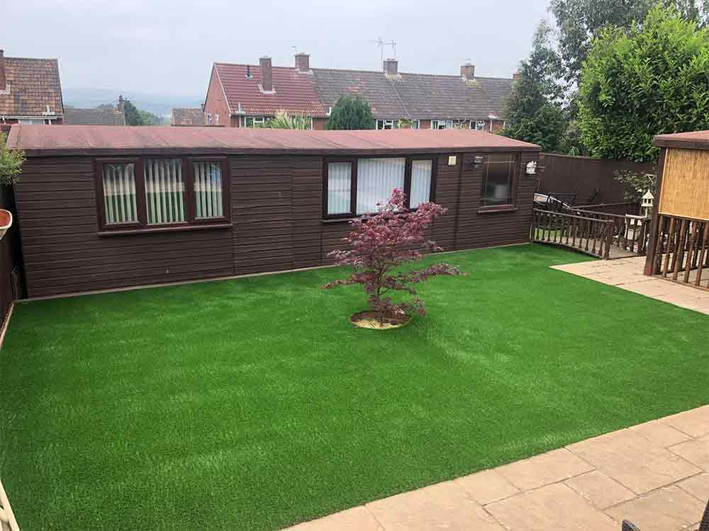 Summer house and artificially grassed area in Exmouth