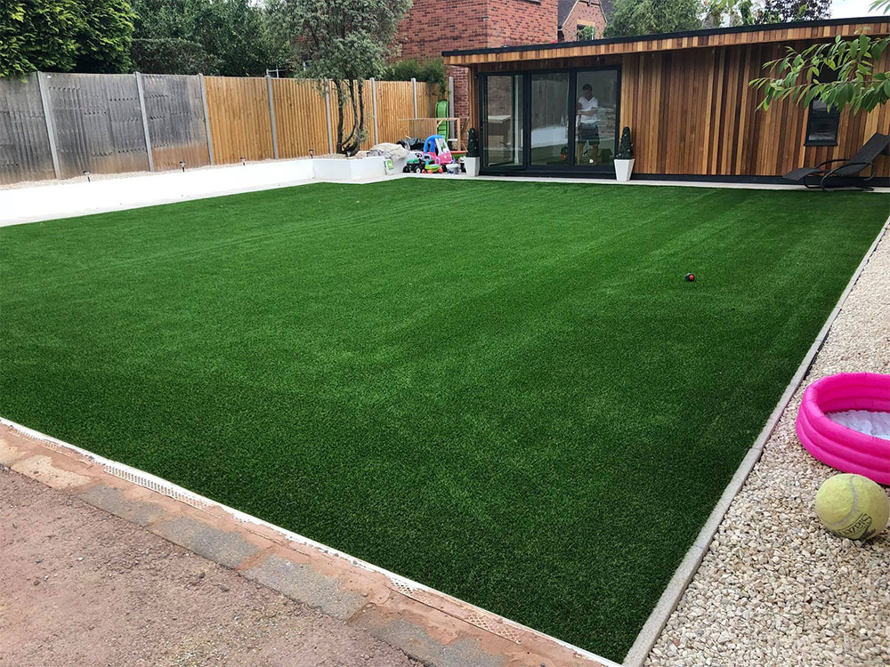 Large family-friendly artificial lawn in Exeter